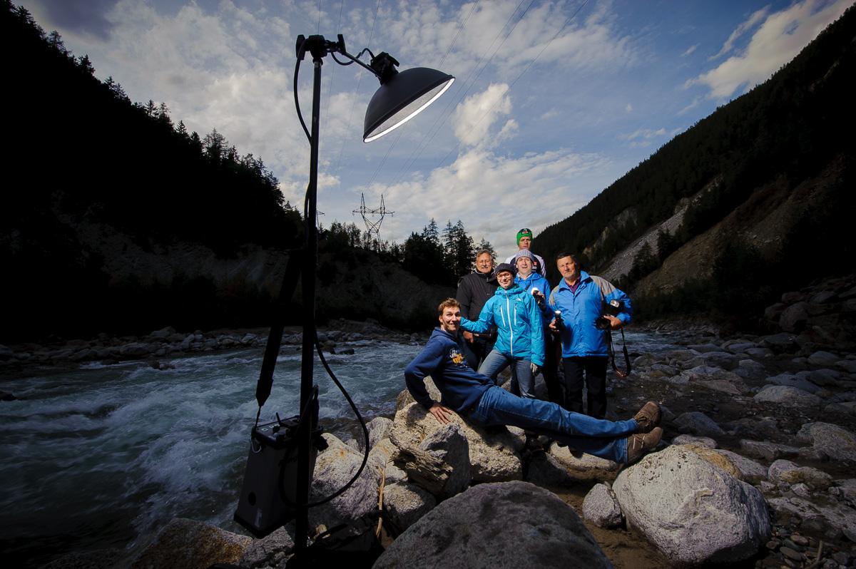 Stefan Simonsen mit Teilnehmern eines Blitzworkshops in Österreich