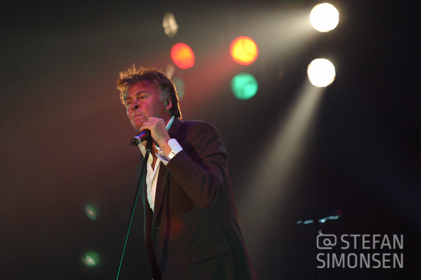Paul Young, Hamburg, 2004 (Canon EOS 300D DIGITAL, 800 ISO, Blende 4, 1/125 Sek., bei 200mm)