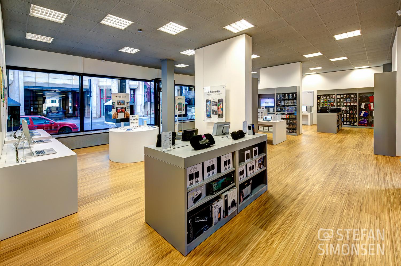 Foto der Inneneinrichtung des Apple-Resellers FundK (Frings und Kuschnerus) in Hannover