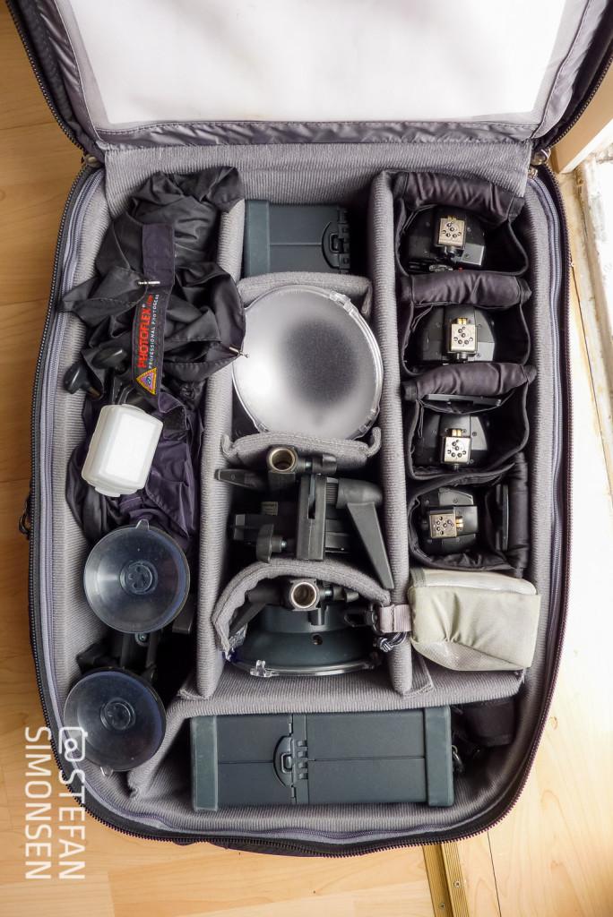 """ThinkTankPhoto """"Airport Security V2.0"""" mit weiterem Blitzequipment und Zubehör"""